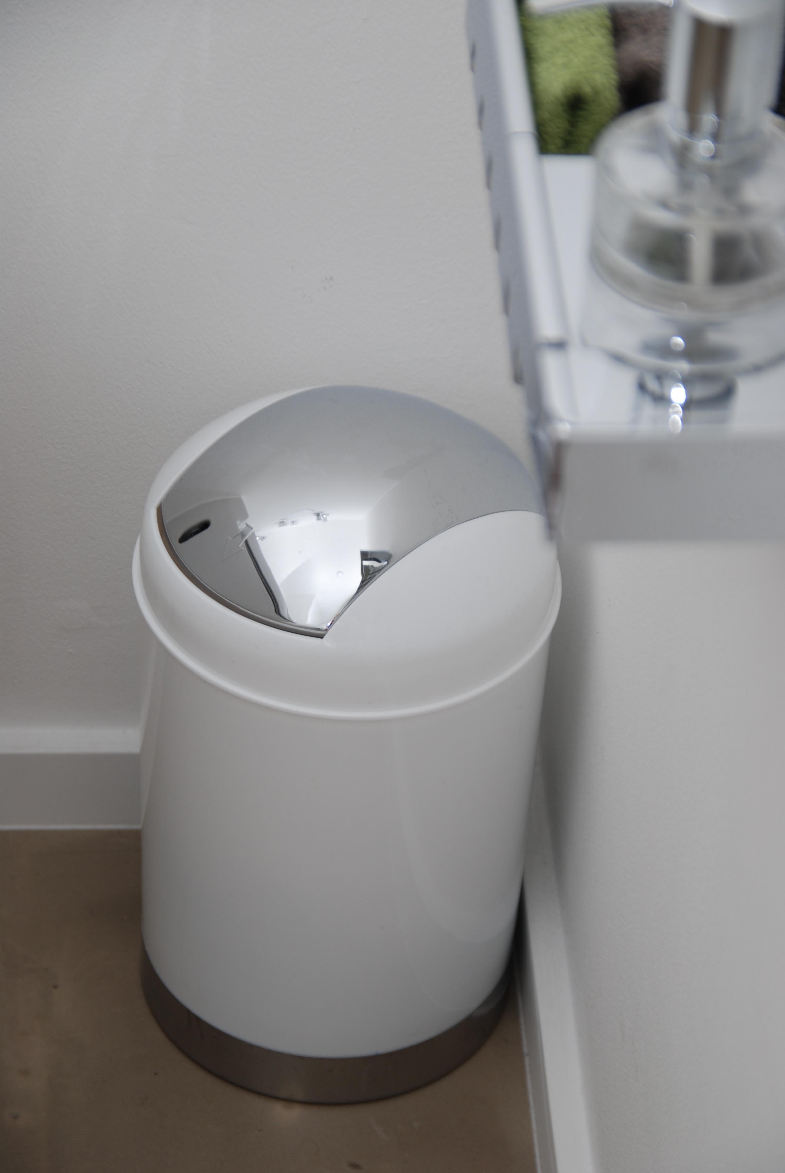 Behälter für gebrauchte Waschhandschuhe a 14,96€